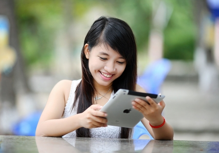 Building-Passion-Woman-with-Tablet